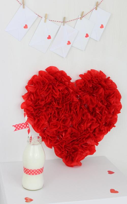 decor-tissue-paper-red-heart-3