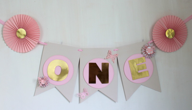 Personalized-baby-girl-party-one-2