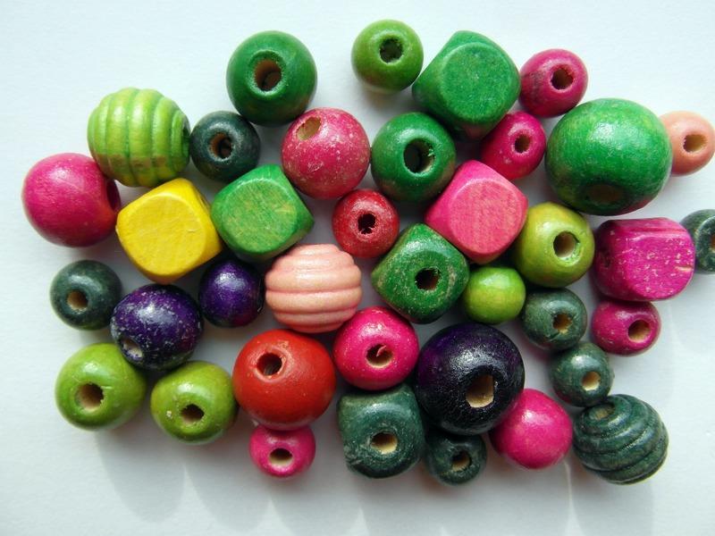 1-wood-beads-262075_1920