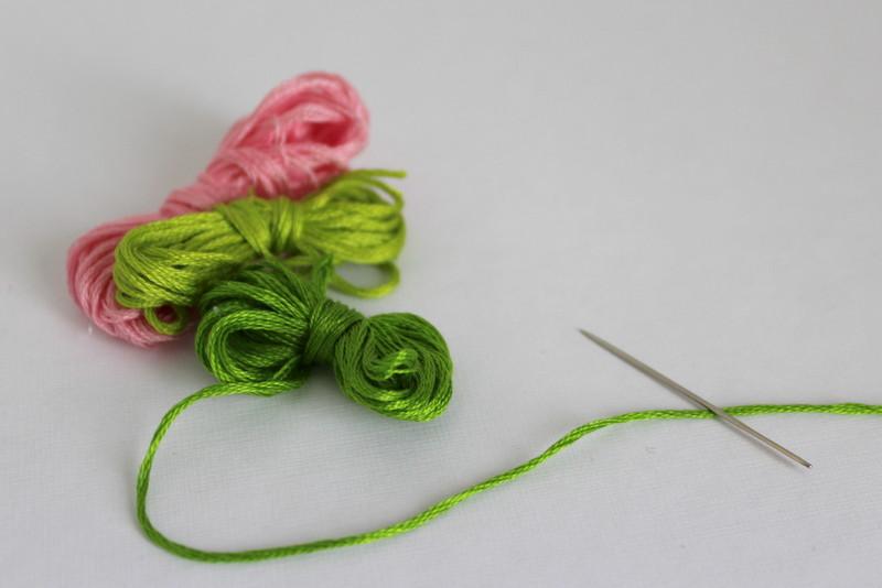 Filo-ricamo-verde-rosa
